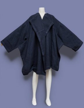 Comme-Des-Garcons-Oversized-Draped-Wool-Coat-001