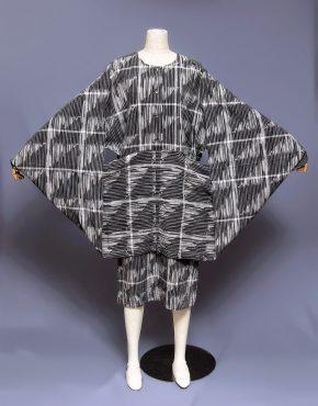 Issey-Miyake-Dolman-Sleeve-Cotton-Dress-001