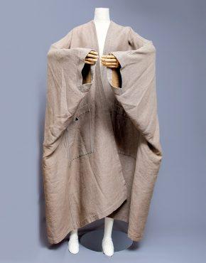 Issey-Miyake-Oversized-Kimono-Coat-001